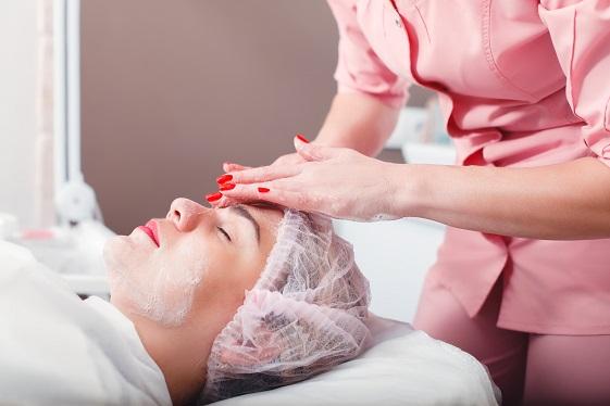 Gdzie kupować profesjonalne akcesoria i kosmetyki do salonu urody?
